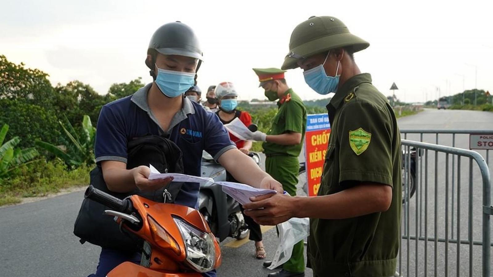 Sau 1 tuần giãn cách xã hội, Hà Nội xử phạt gần 7 tỷ đồng
