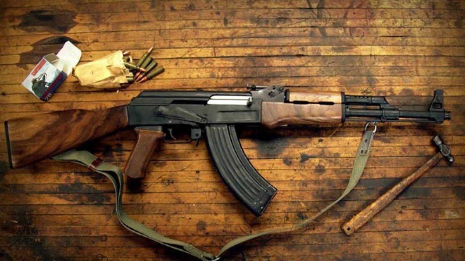 Soi uy lực của súng trường Nga: AK-47 và AK-74