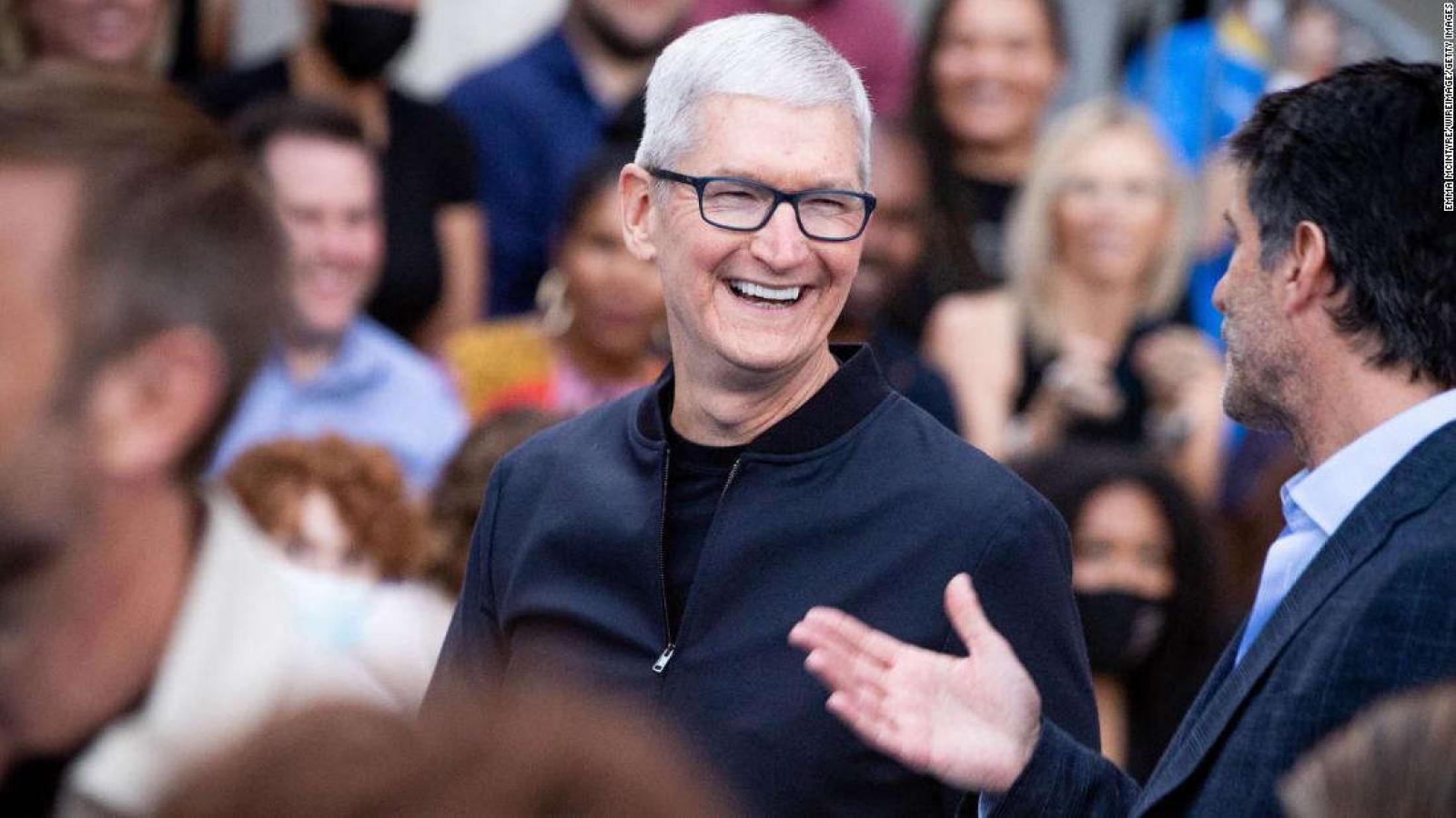 Tim Cook được Apple thưởng 750 triệu USD trong năm 2021
