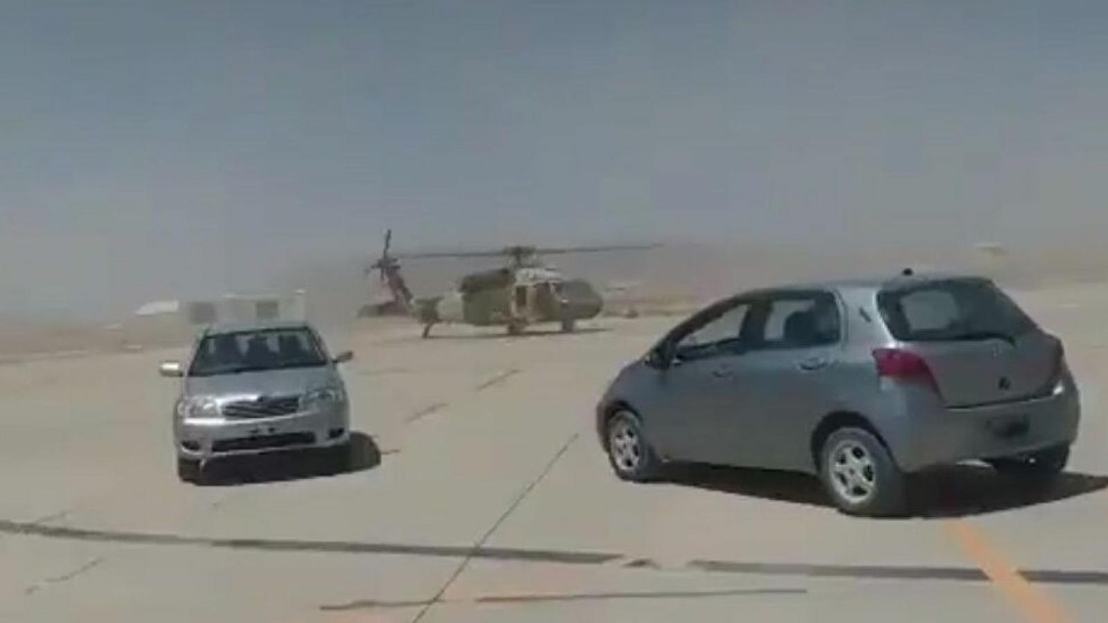 Taliban vận hành trực thăng Black Hawk của Mỹ?