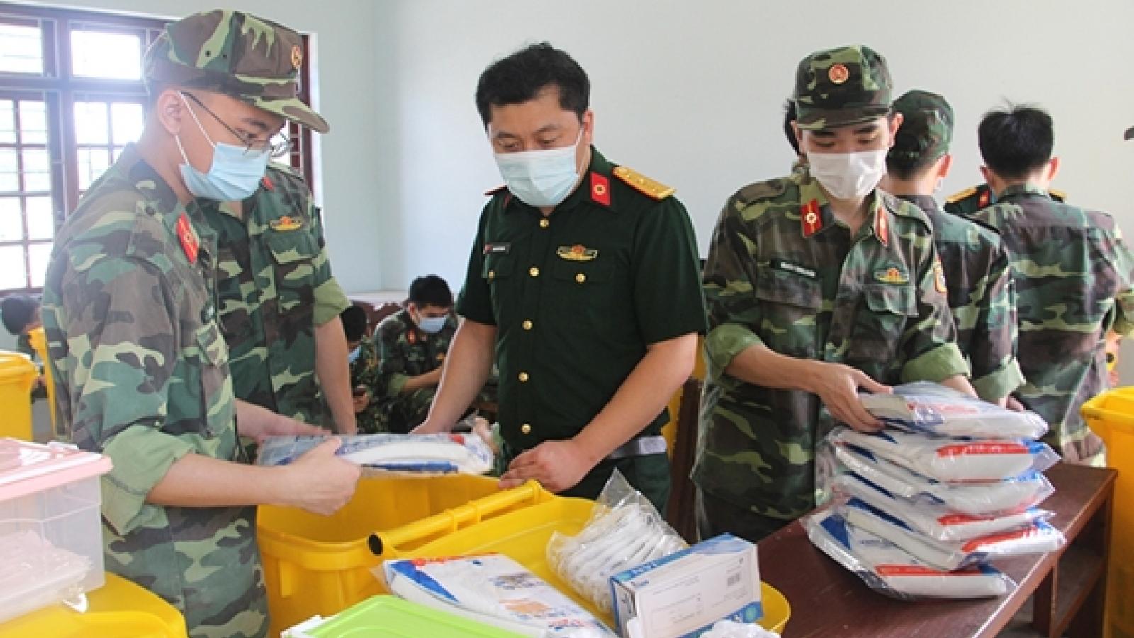 Bộ trưởng Quốc phòng khen thưởng 70 tập thể, cá nhân trong phòng, chống Covid-19