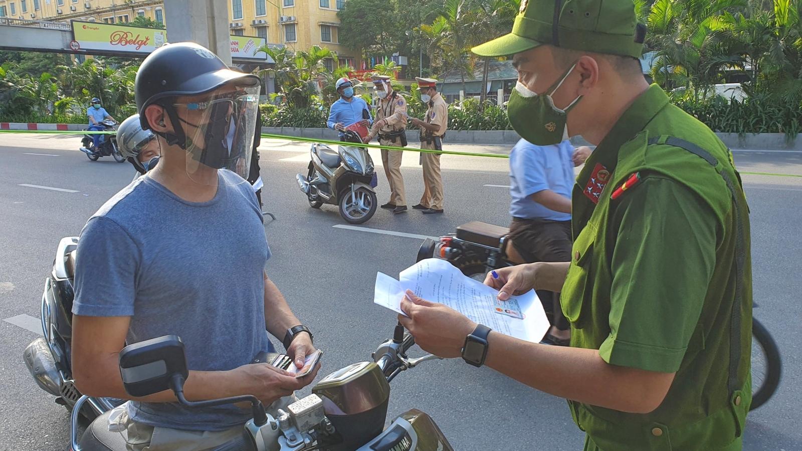 Hà Nội xử phạt 844 trường hợp vi phạm công tác phòng chống dịch trong ngày 26/8