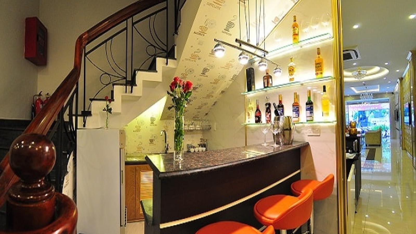 Ý tưởng thiết kế quầy bar trong nhà giúp tiết kiệm không gian