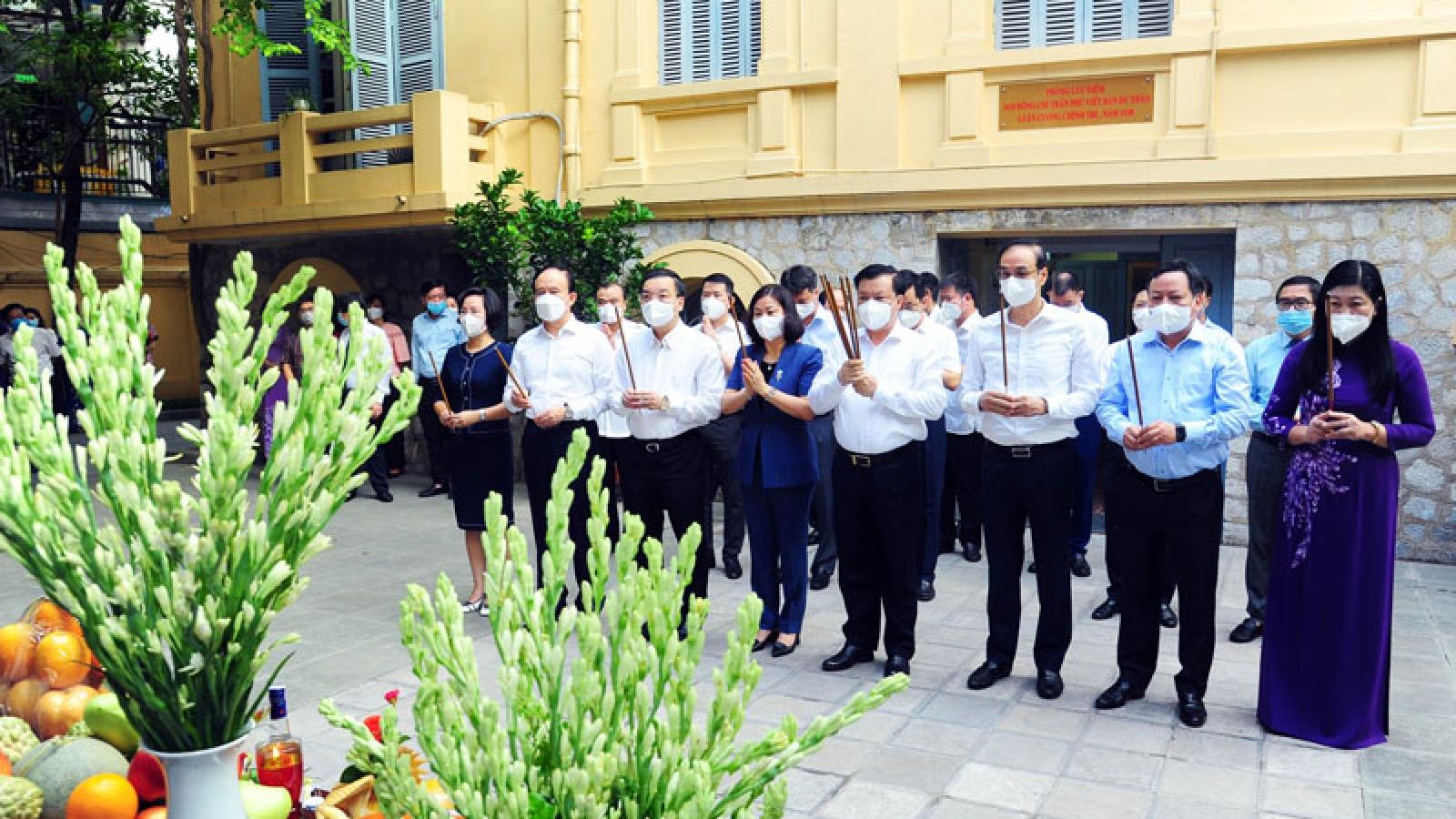 Lãnh đạo TP. Hà Nội dâng hương tưởng niệm Tổng Bí thư Trần Phú