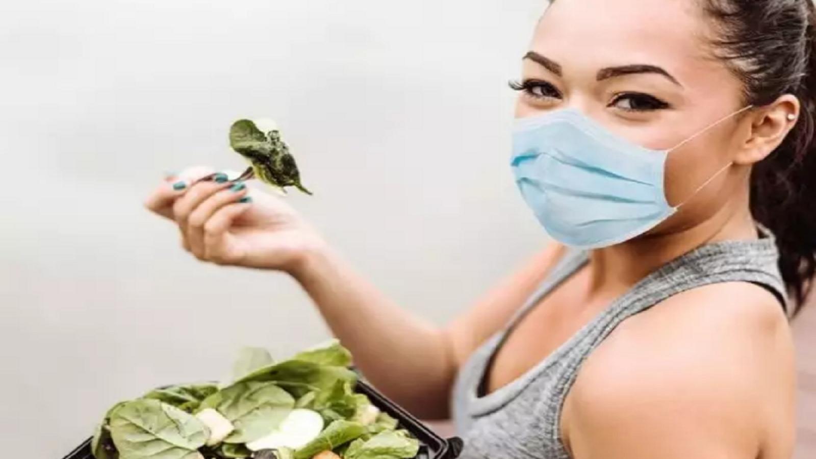 Thực phẩm có thể làm tăng hay giảm nguy cơ mắc COVID-19 không?