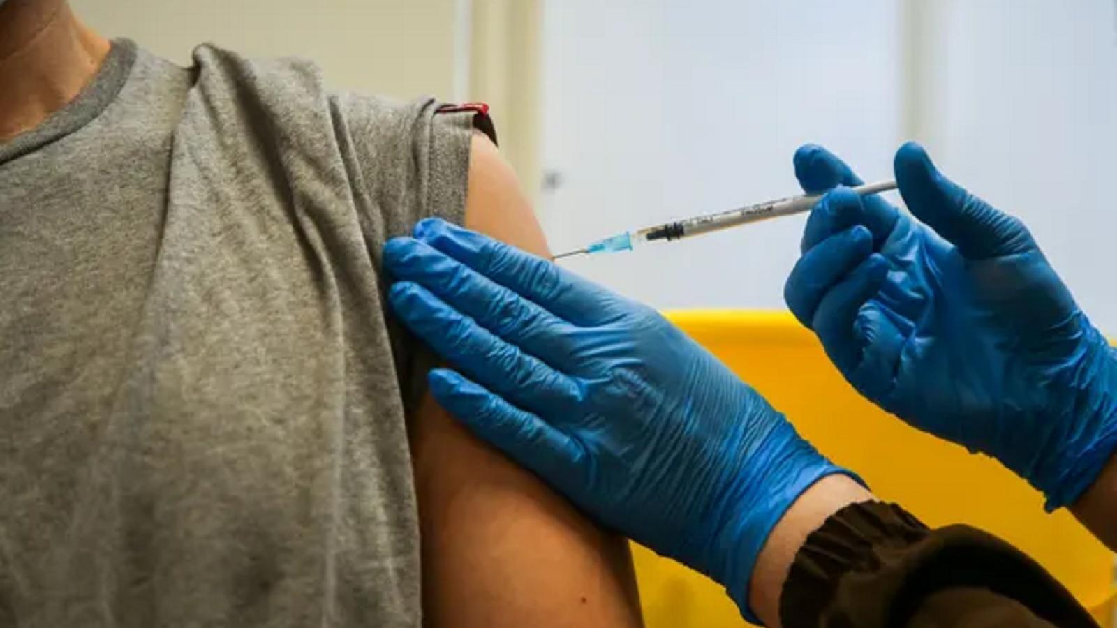 Nguy cơ đông máu sau nhiễm COVID-19 lớn hơn nhiều so với sau khi tiêm chủng