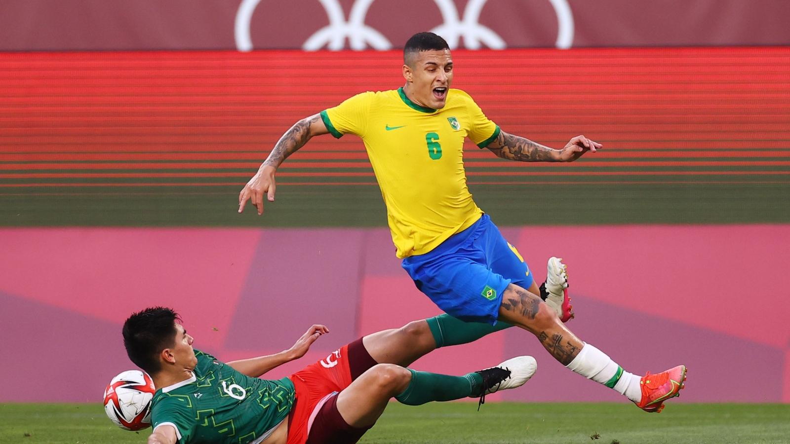 TRỰC TIẾP Brazil 0-0 Mexico: Thần may mắn ngoảnh mặt với Selecao