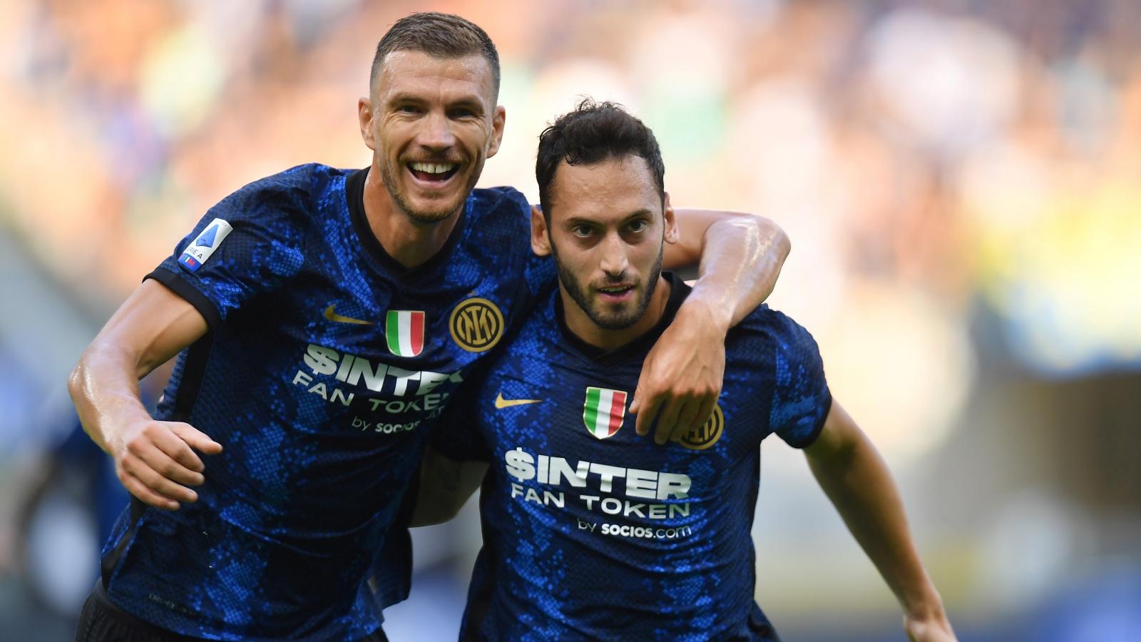 Cặp tân binh toả sáng, Inter Milan thị uy sức mạnh nhà vô địch Serie A