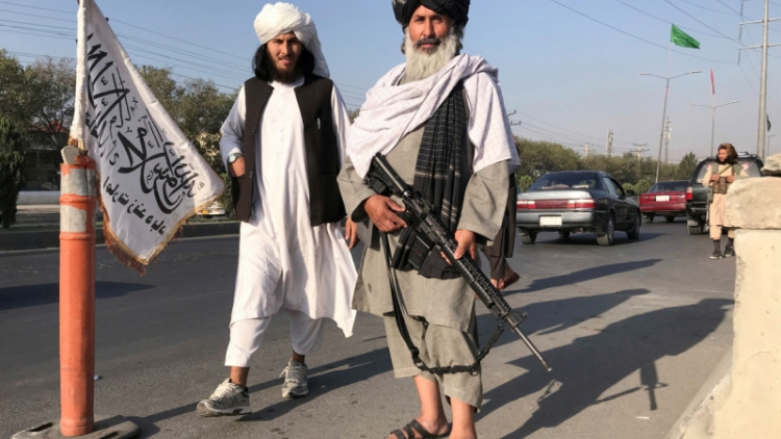 Khát khao tài chính và sự hợp pháp, Taliban thúc đẩy thỏa thuận chính trị với phe đối đầu