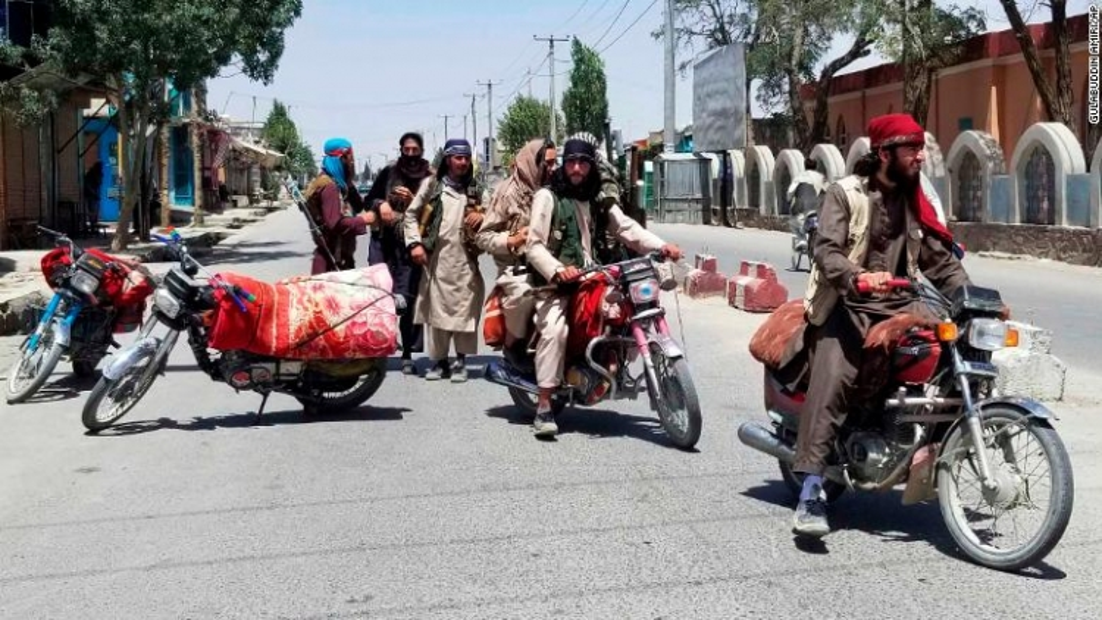 Taliban chiếm 12 thủ phủ tỉnh,thủ đô Kabul của Afghanistan lâm nguy