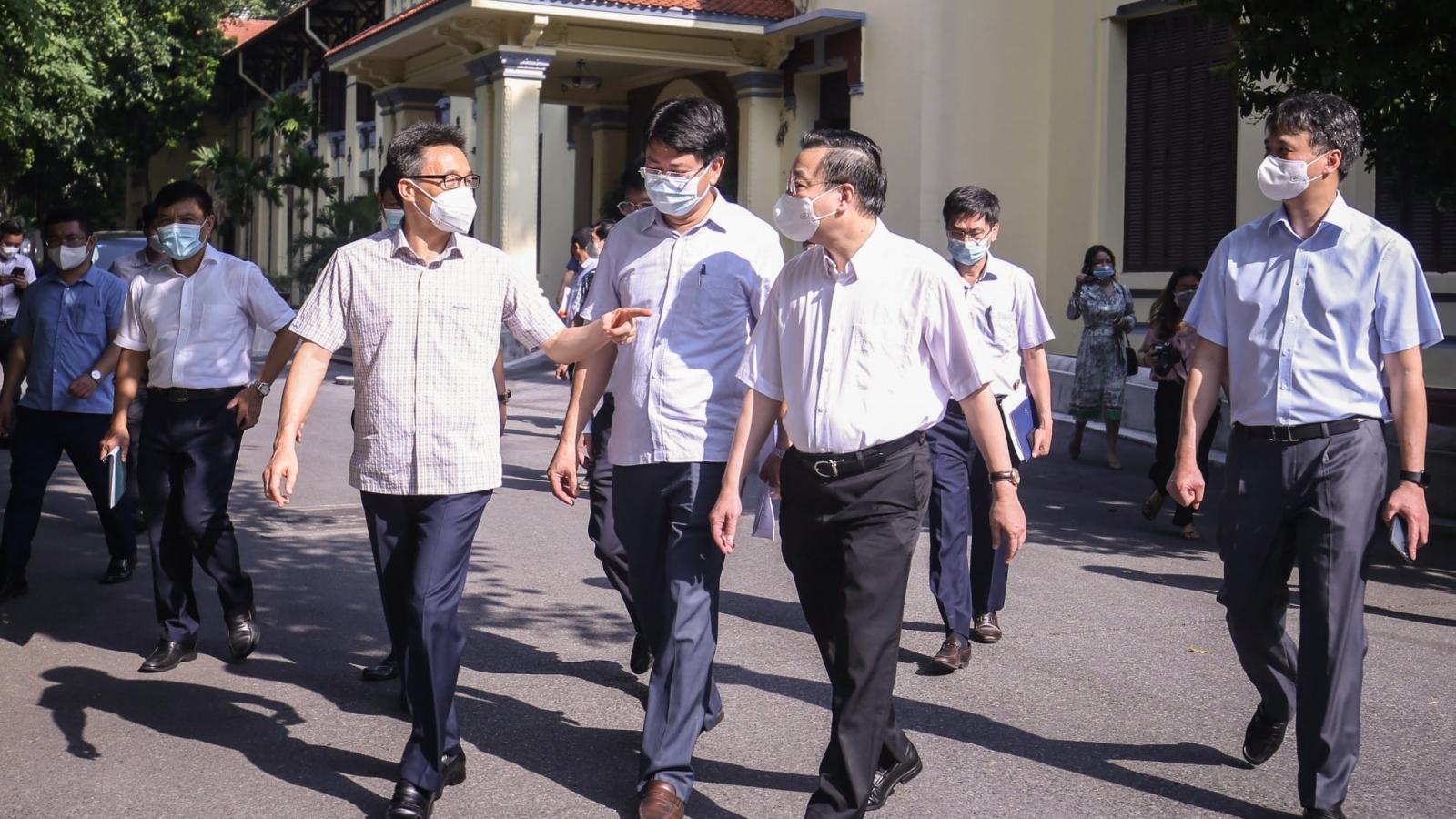 Phó Thủ tướng Vũ Đức Đam: Hà Nội thực hiện nghiêm Chỉ thị 16 là an toàn