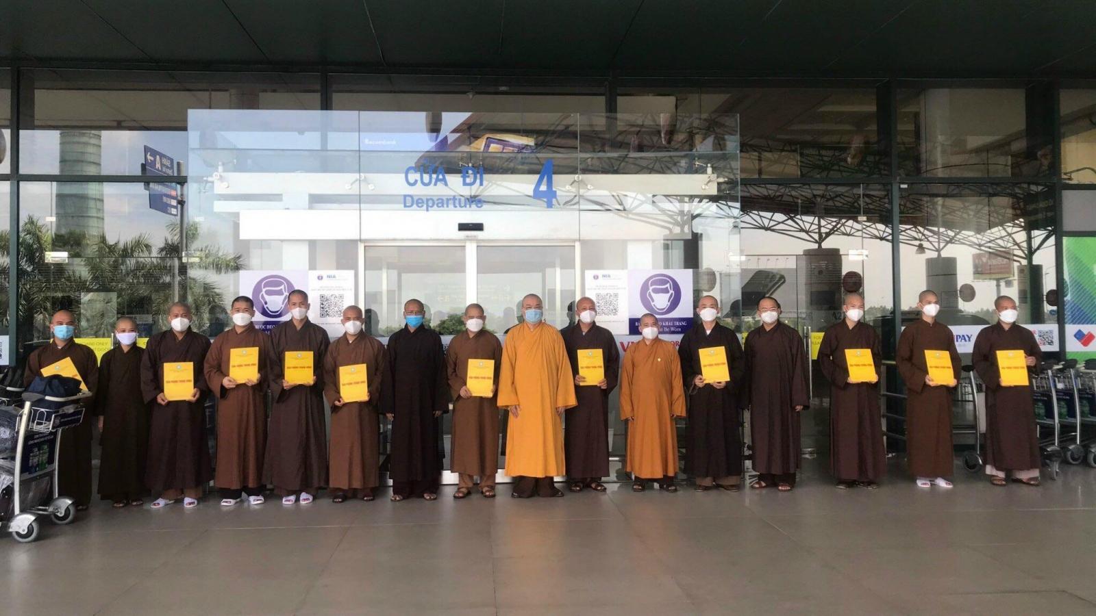 Giáo hội Phật giáo tiễn các nhà sư tình nguyện lên tuyến đầu chống dịch
