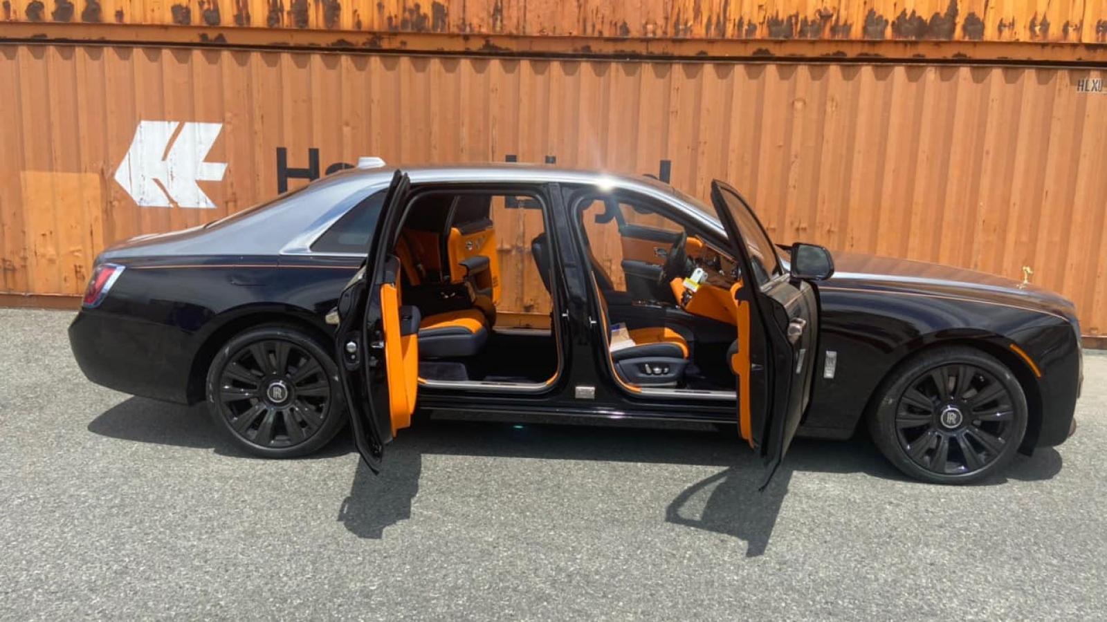 Rolls-Royce Ghost thế hệ mới trị giá hơn 40 tỷ đồng cập bến Việt Nam
