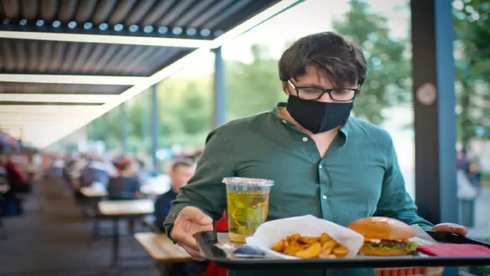 5 điều bạn phải lưu ý khi đi ăn ở ngoài giữa đại dịch COVID-19