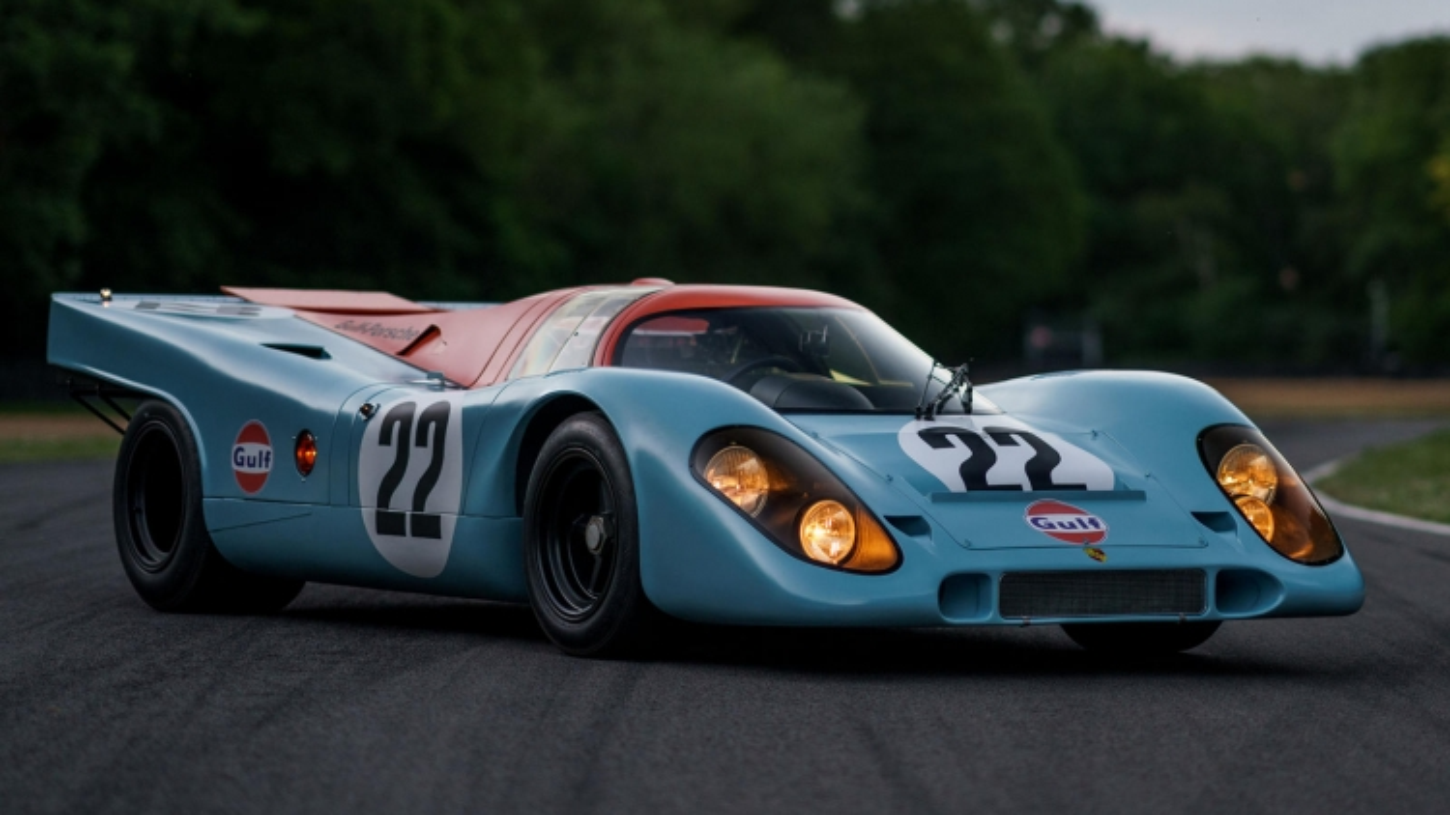 Cận cảnh xe đua Porsche 917K được định giá hơn 15 triệu USD