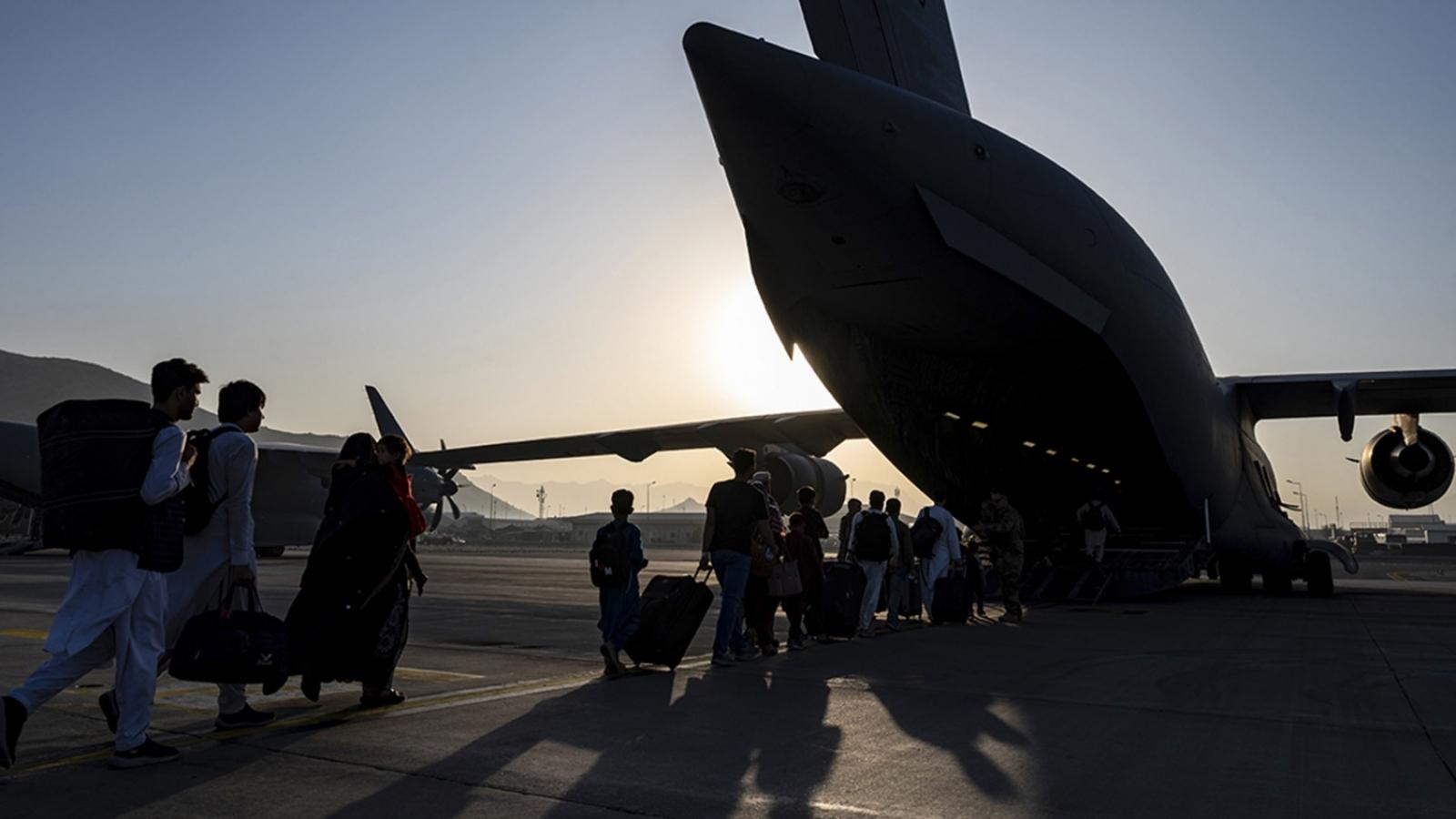 Lầu Năm Góc: Tổ chức khủng bố IS đe dọa phá hoại cuộc sơ tán khỏi Afghanistan
