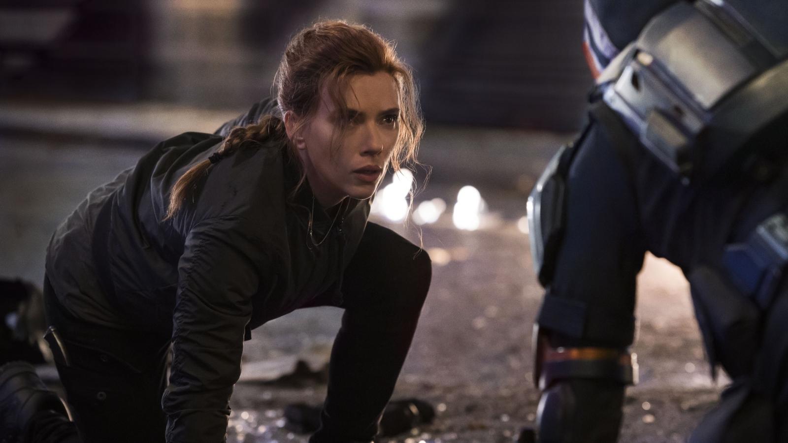 """Disney tìm cách buộc Scarlett Johansson phải hoà giải trong vụ kiện """"Black Widow"""""""