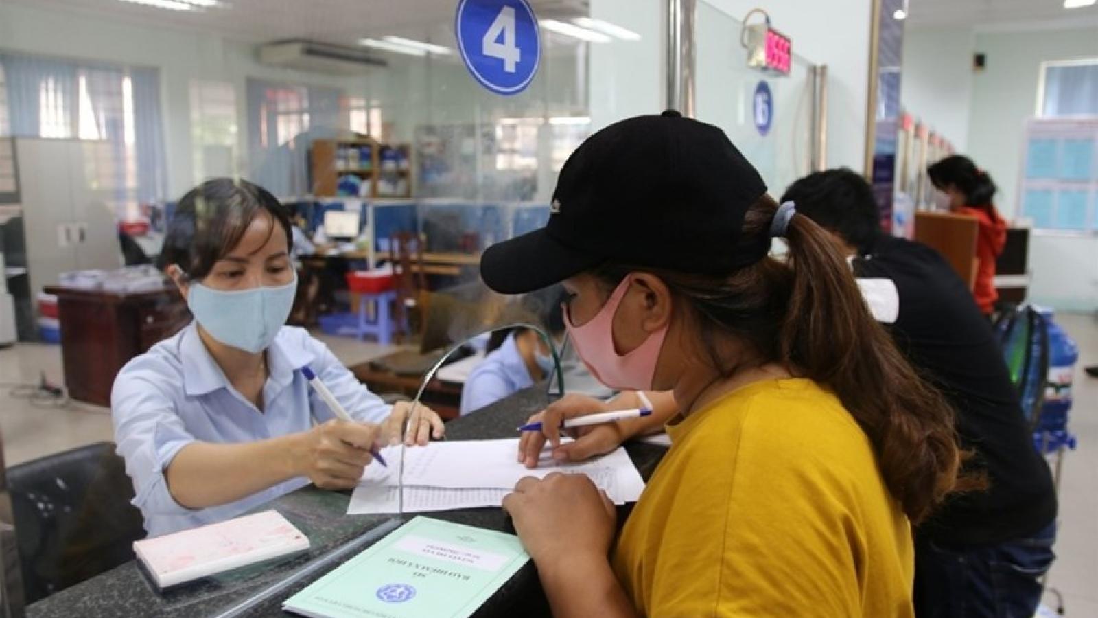Ngành BHXH bắt đầu chi trả BHTN cho người lao động