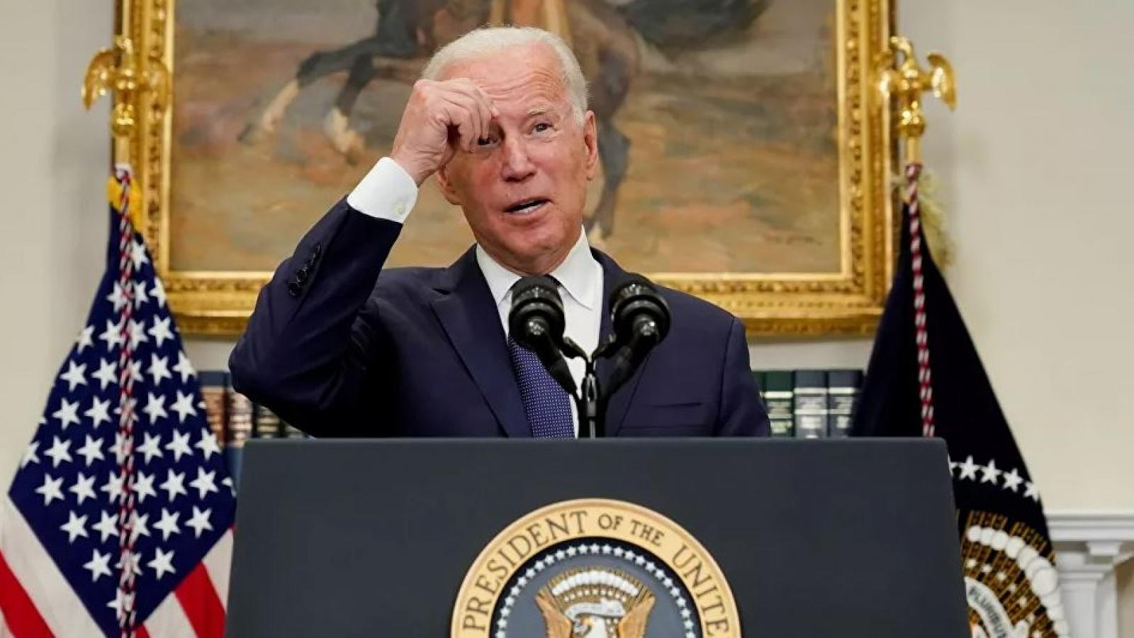 Tổng thống Biden: Không loại trừ khả năng trừng phạt Taliban