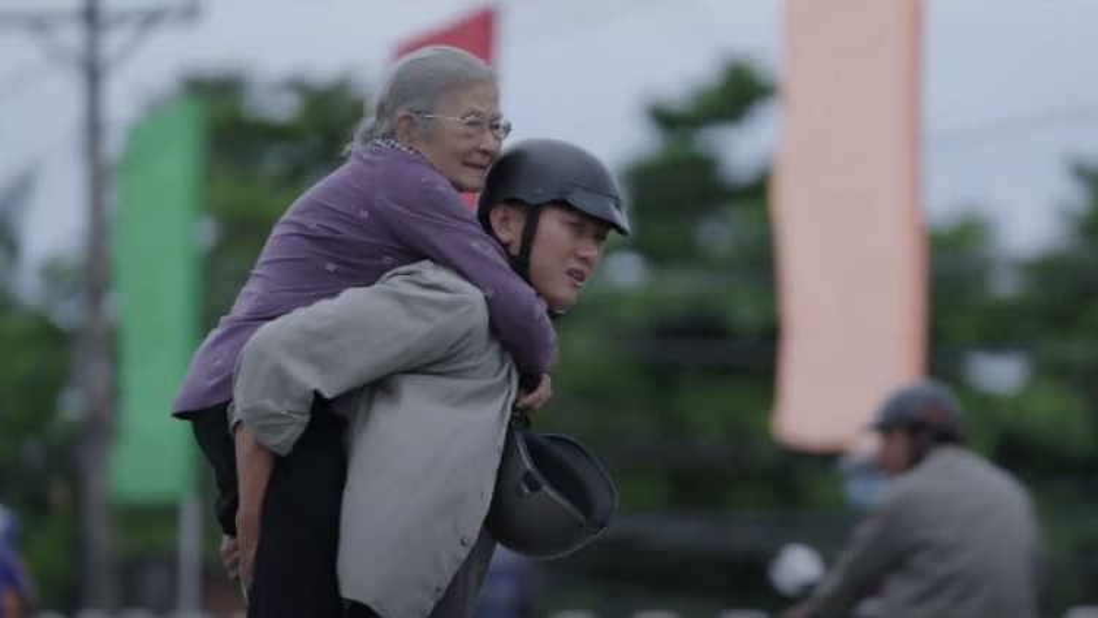 Nghệ sĩ Phi Điểu, Quách Ngọc Tuyên kể câu chuyện về người mẹ già nhiều xúc động