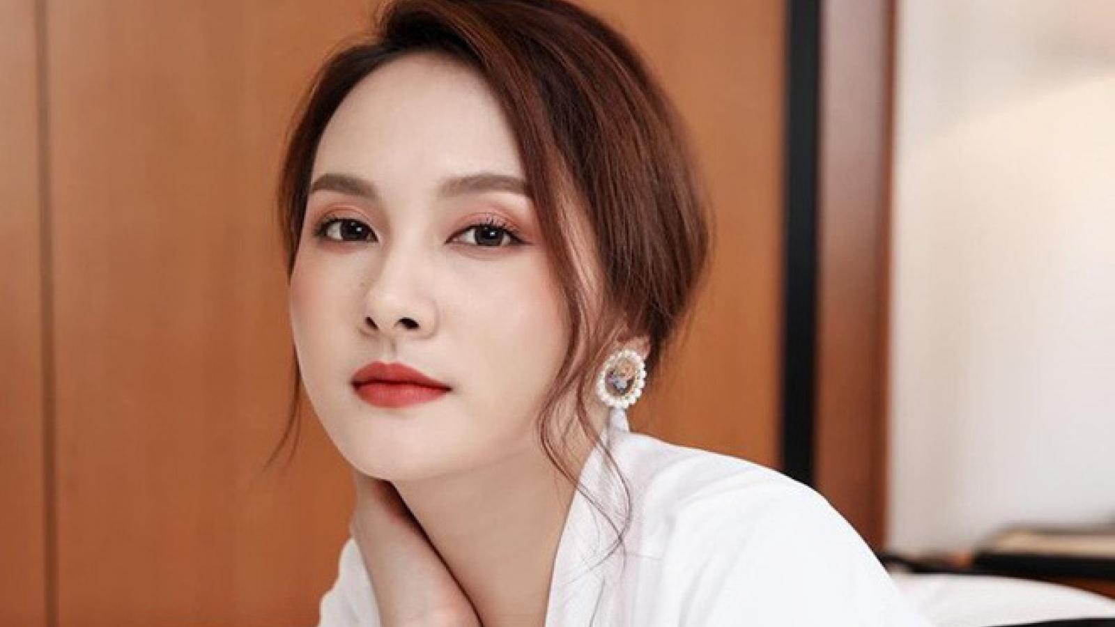 """Chuyện showbiz: Bảo Thanh tái xuất xinh đẹp như thiếu nữ đôi mươi dù đang là """"mẹ bỉm sữa"""""""