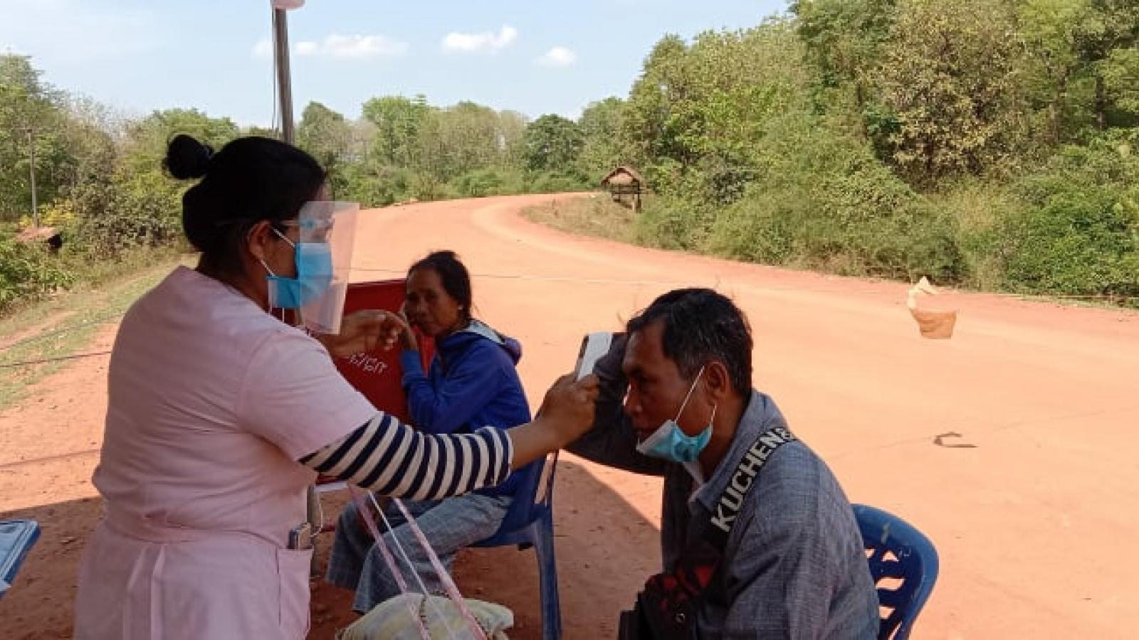 Nhiều tỉnh thành của Lào áp đặt lệnh phong tỏa chống dịch Covid-19