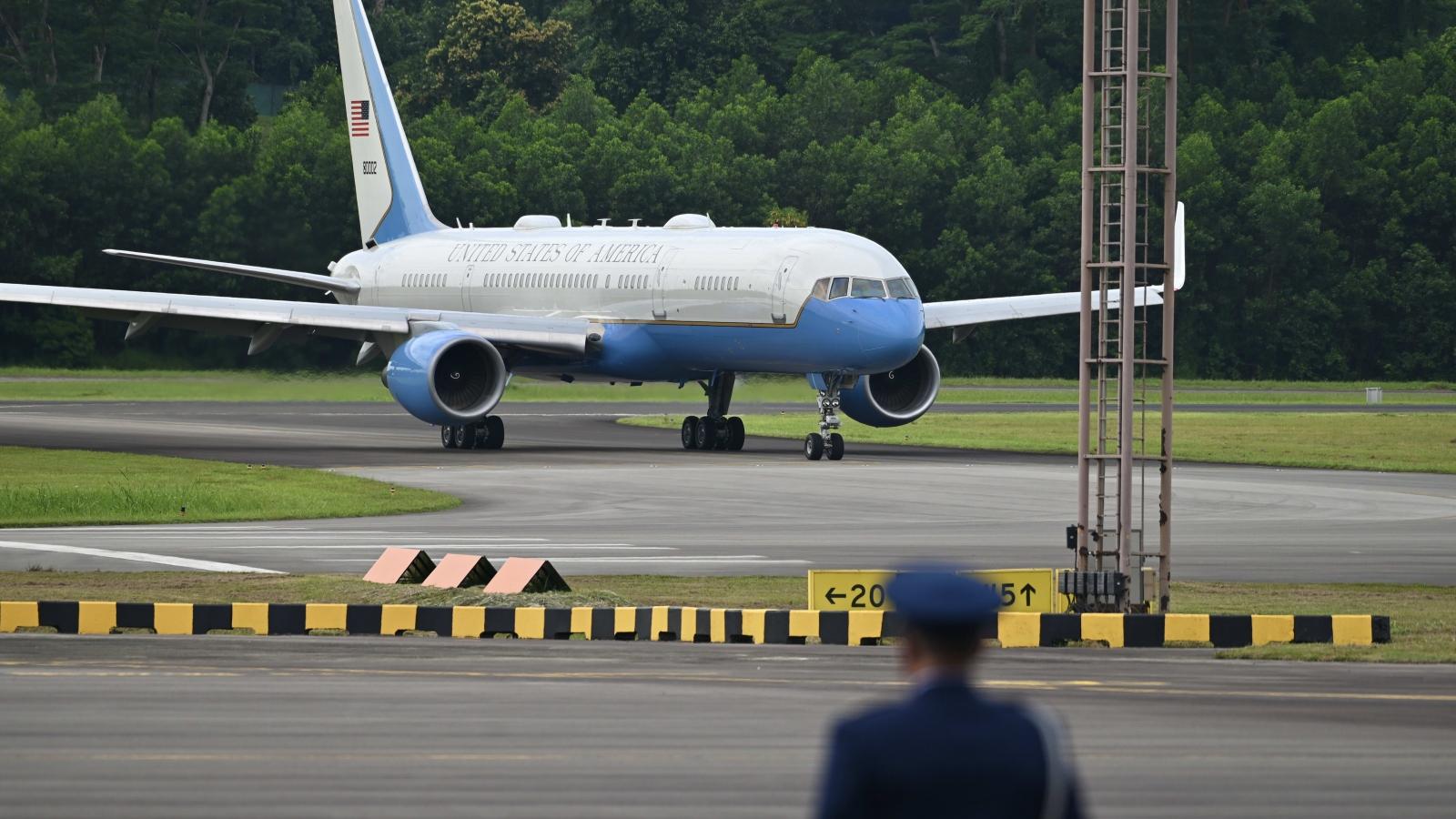 Phó Tổng thống Mỹ tới Singapore bàn bạc về nhiều vấn đề quan trọng