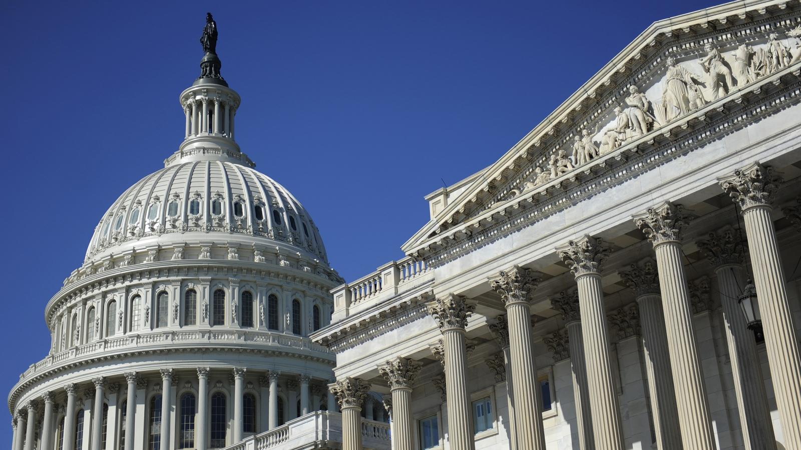 Động thái hiếm hoi của Thượng viện Mỹ khi thông qua kế hoạch 1.200 tỷ USD của Biden