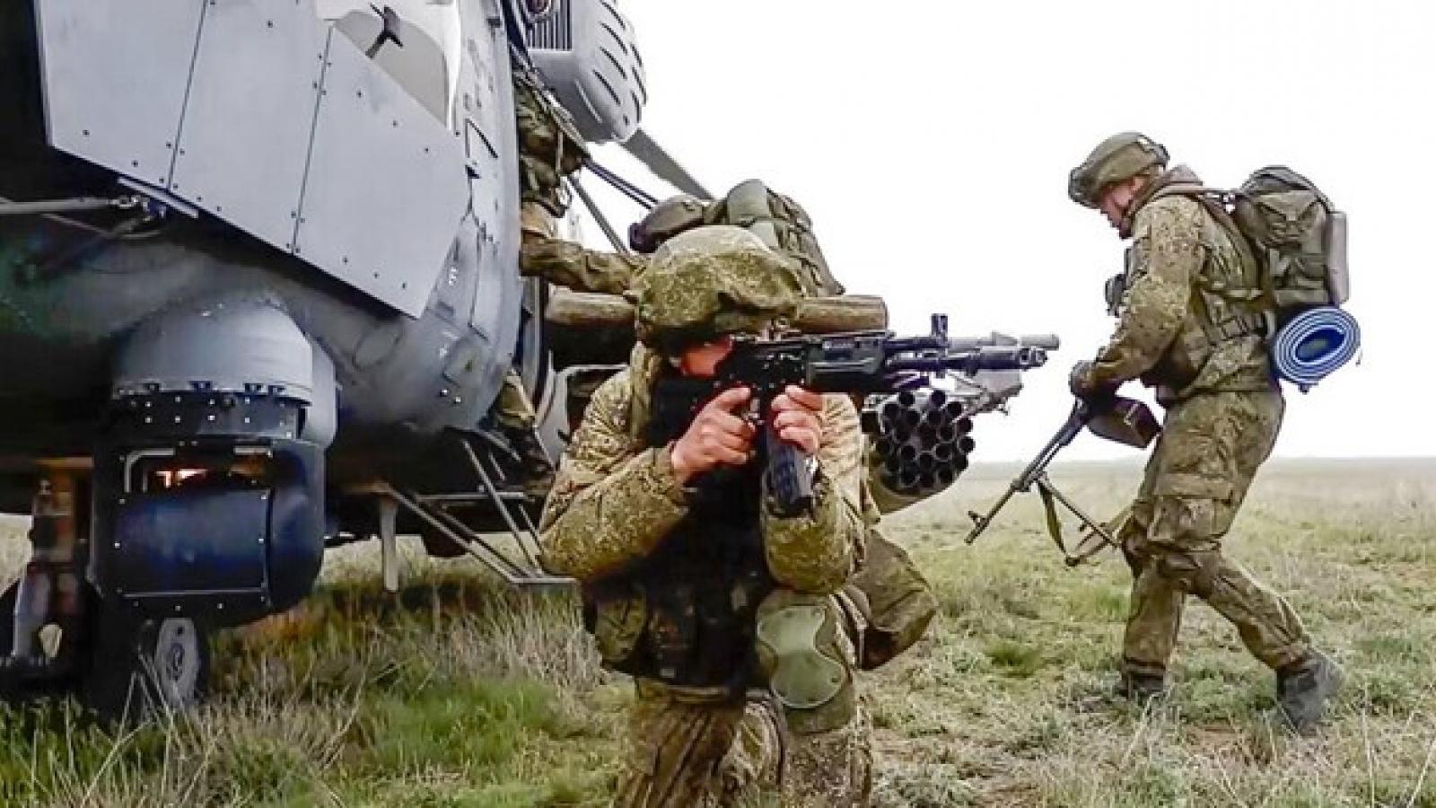 Nga điều thêm quân, tăng gấp đôi khí tài để tập trận gần biên giới Afghanistan