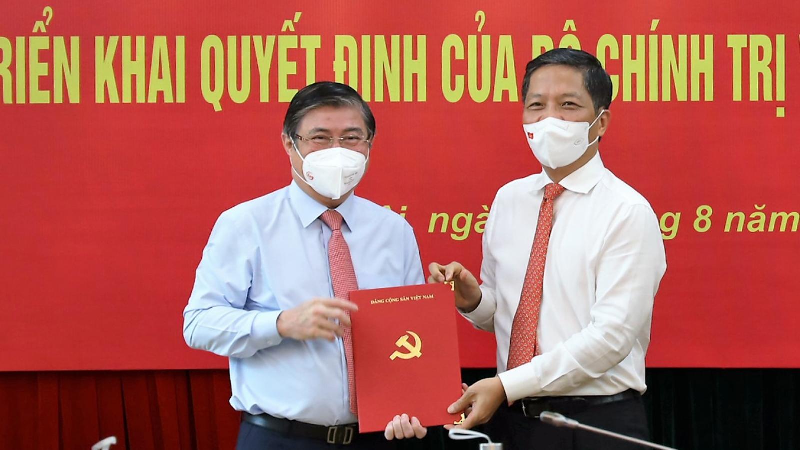Ông Nguyễn Thành Phong ra Hà Nội nhận quyết định giữ chức Phó Trưởng Ban Kinh tế T.Ư