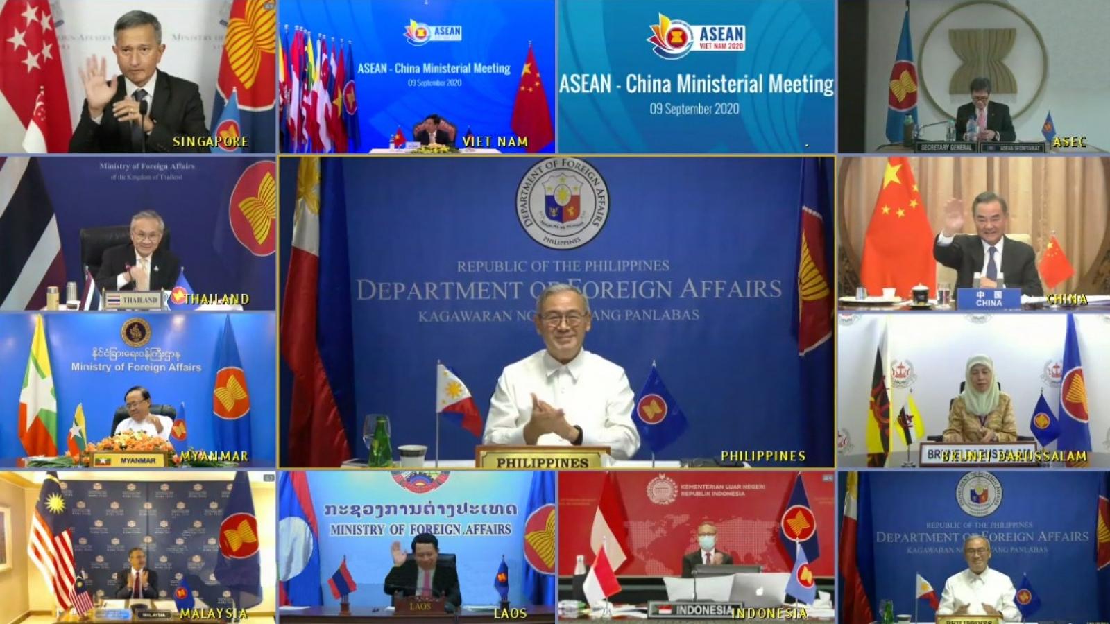 Philippines, Indonesia kêu gọi duy trì hòa bìnhBiển Đông, khuyến khích hoàn thành COC