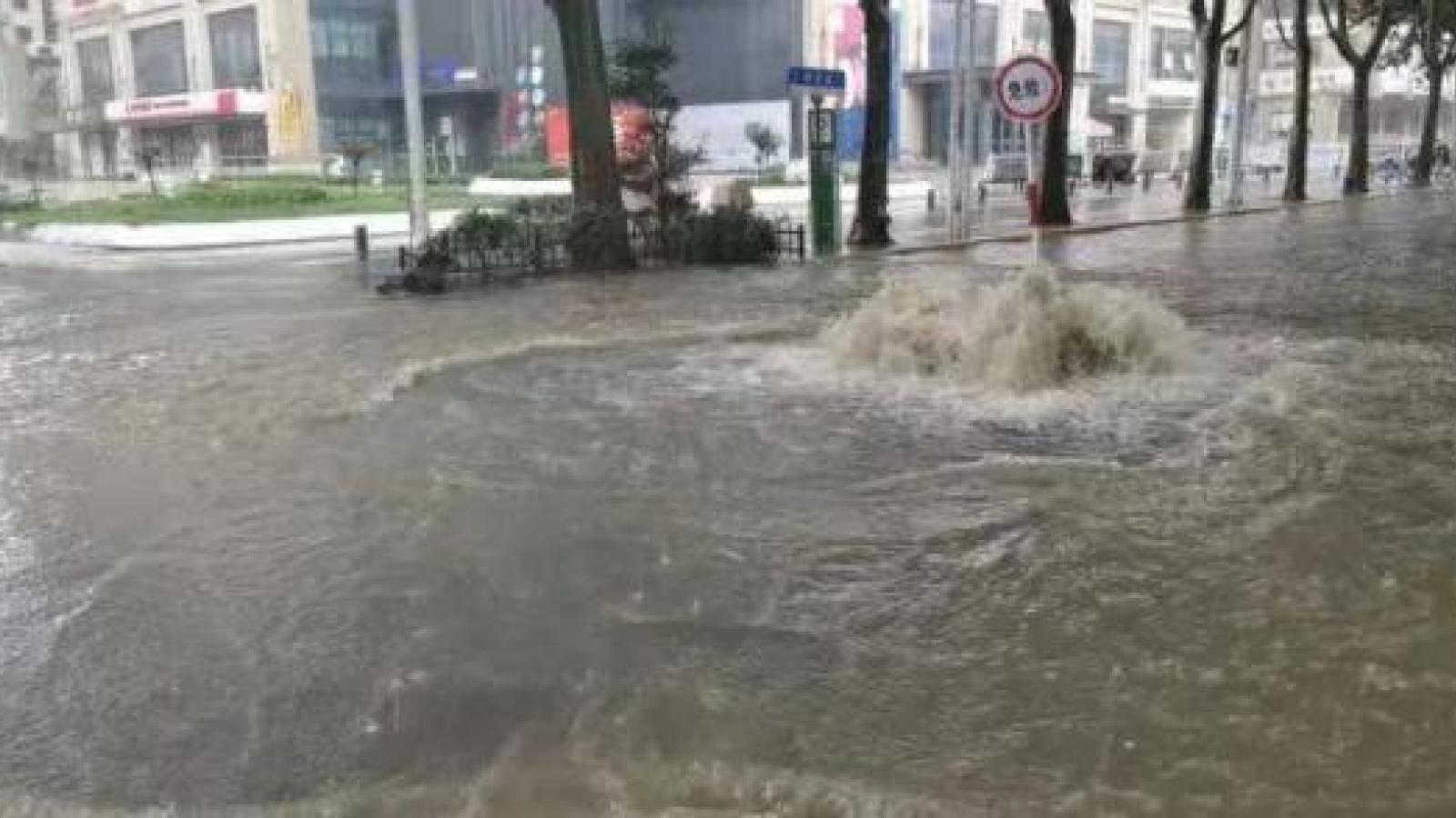 Hà Nam (Trung Quốc) phát đi báo động đỏ vì mưa lớn