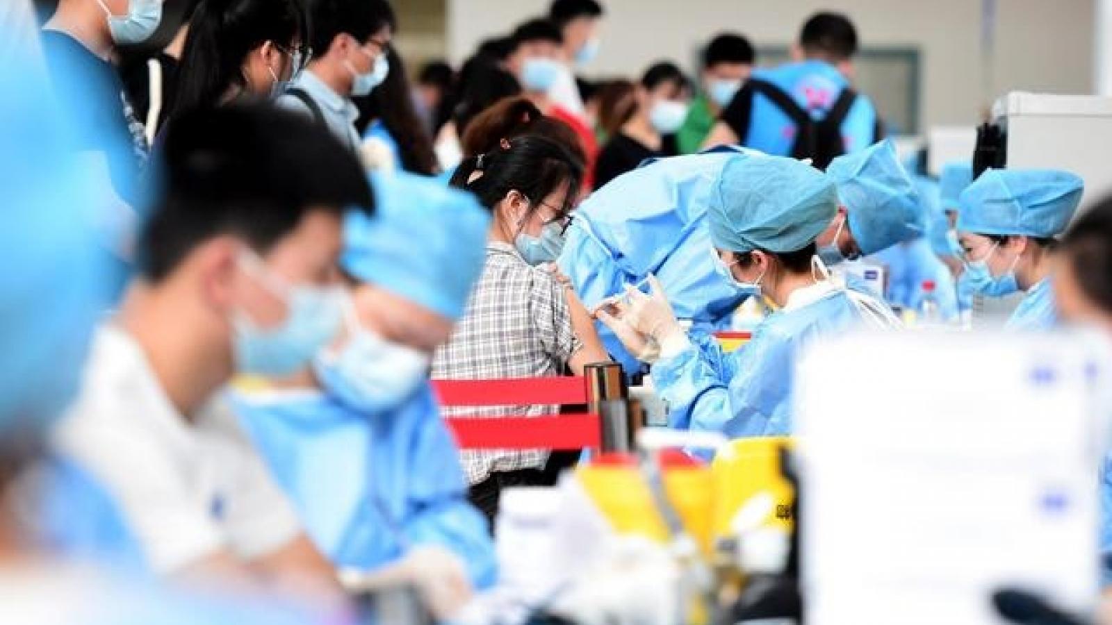 Trung Quốc truy cứu trách nhiệm người để lây Covid-19 do chưa tiêm vaccine