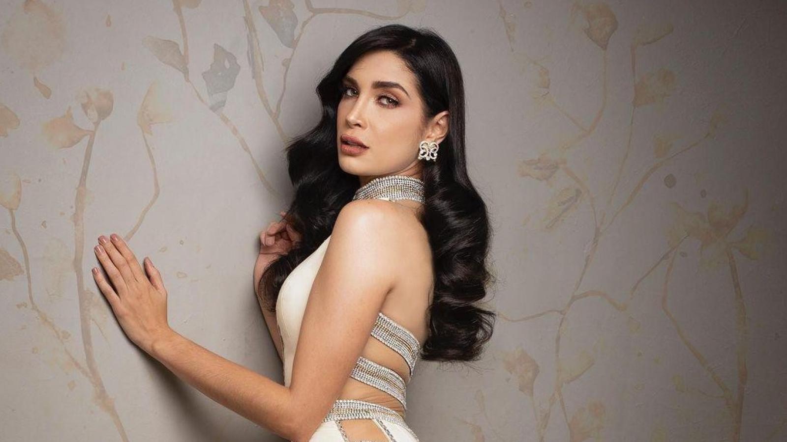 Vẻ đẹp sắc sảo và body nóng bỏng của Hoa hậu Hoà bình Venezuela 2021