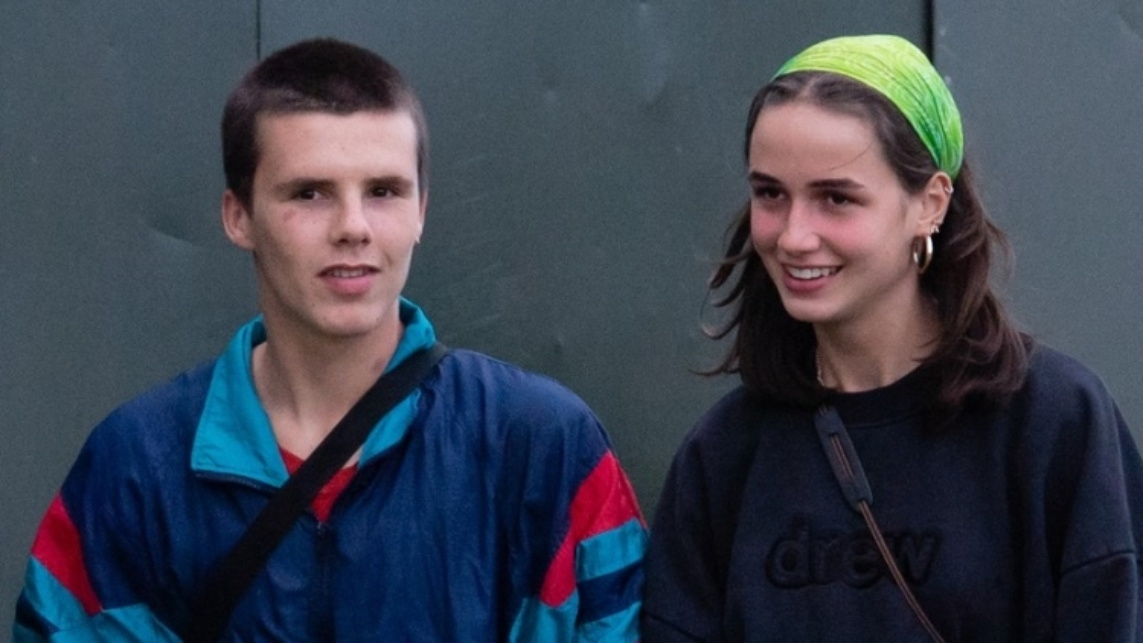 Con trai 16 tuổi của David Beckham - Victoria công khai bạn gái xinh đẹp