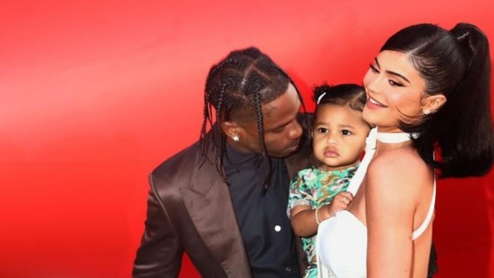 Kylie Jenner mang thai con thứ 2 với rapper Travis Scott