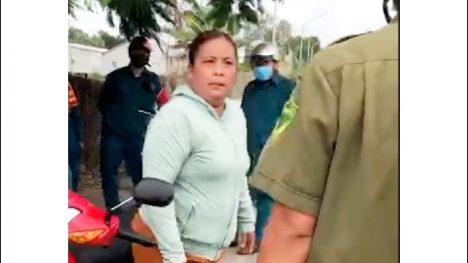Khởi tố người phụ nữ chửi bới và đánh công an vì chồng bị phạt vi phạm Chỉ thị 16