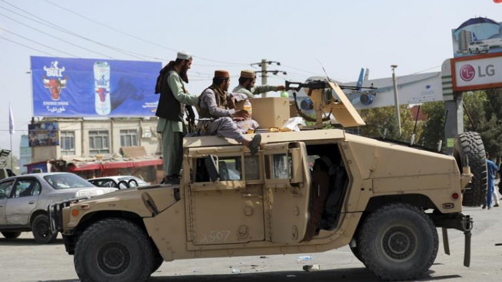 Mỹ rót hàng tỷ USD cho quân đội Afghanistan nhưng hưởng lợi lại là Taliban
