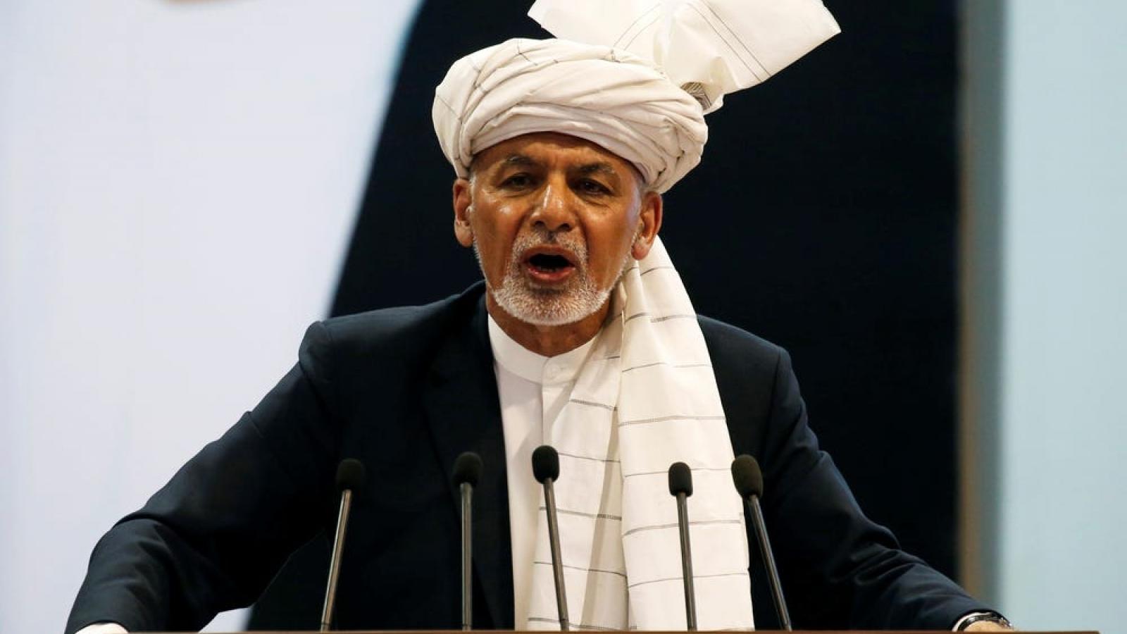 Tổng thống Afghanistan Ghani đã rời khỏi đất nước
