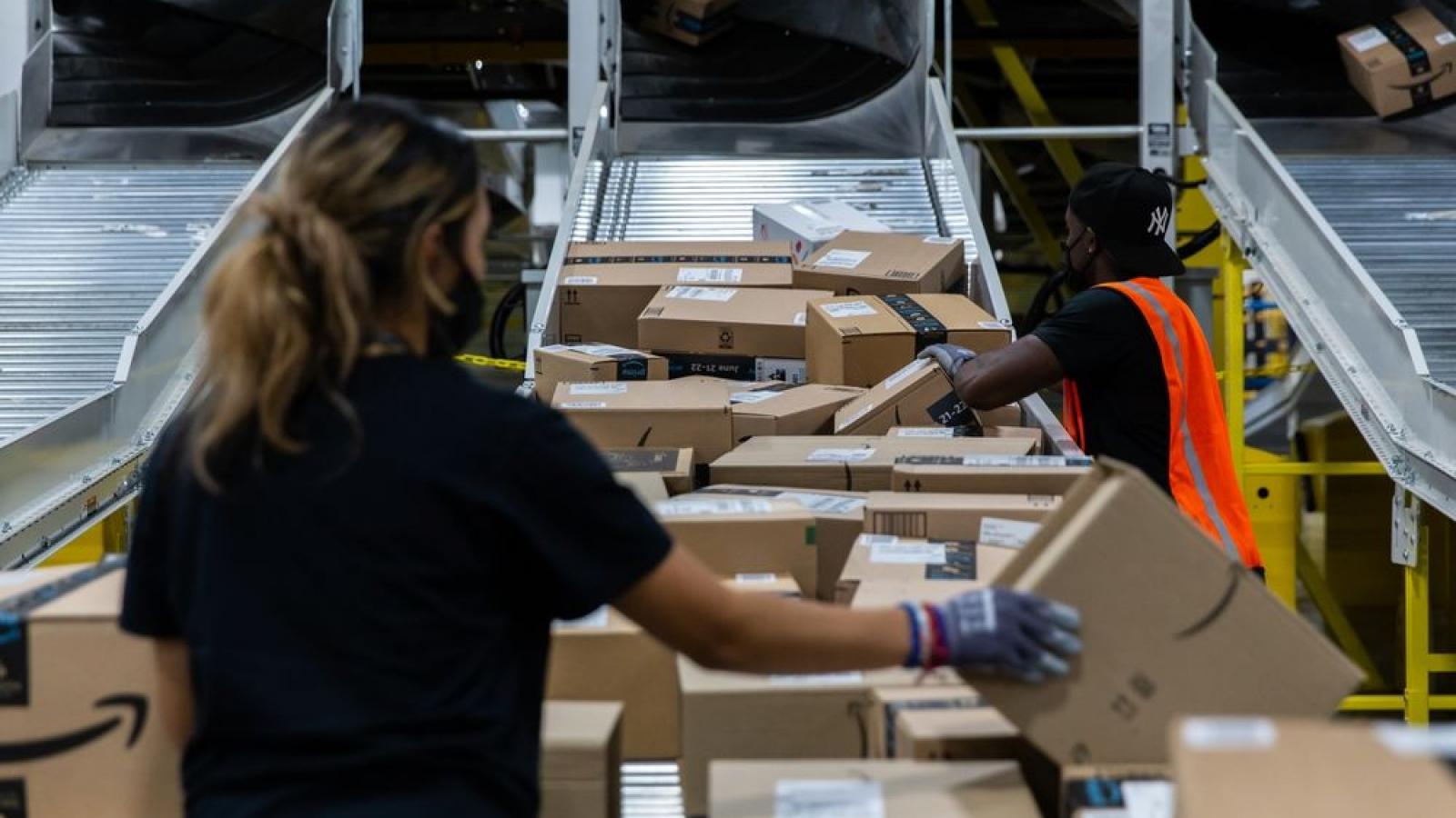 Amazon thưởng cho nhân viên tuyến đầu nếu tiêm vaccine phòng Covid-19