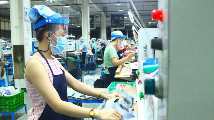 Jump in COVID-19 cases to weigh on Vietnam's economic recovery, says Fitch Ratings