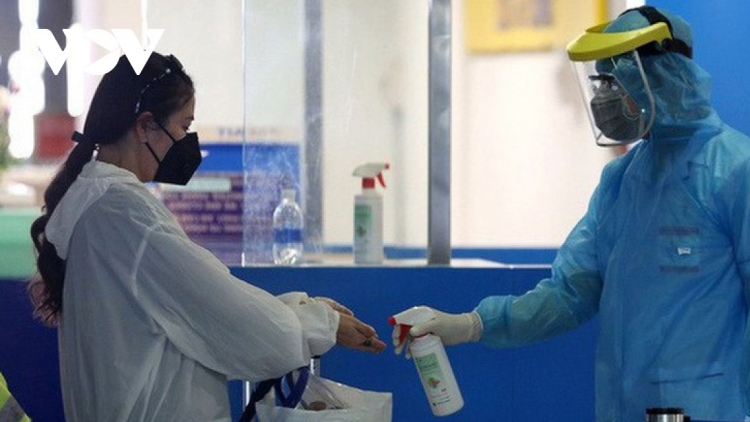 Double-jabbed arrivals set for seven-day quarantine period