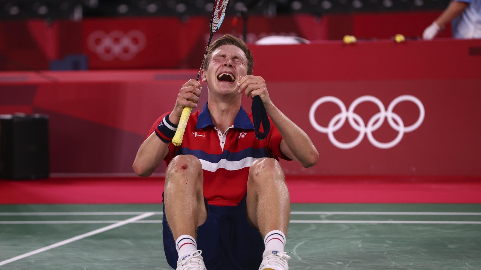 Axelsen hạ Chen Long, chấm dứt sự thống trị của cầu lông Trung Quốc ở Olympic