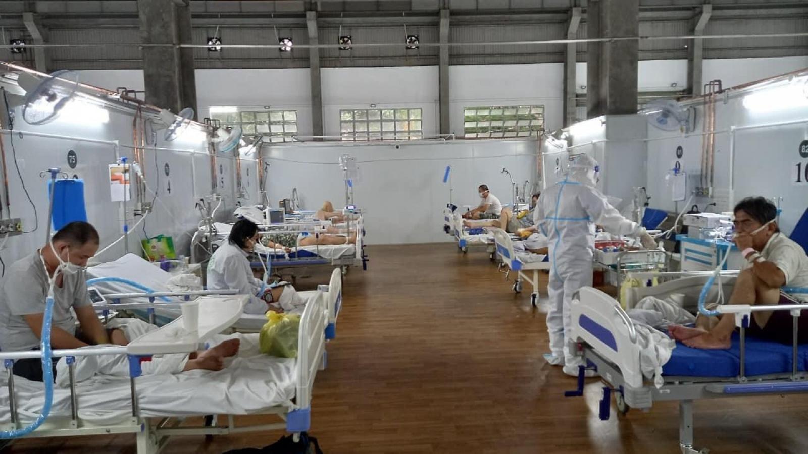 """Đường dây nóng của Trung tâm hồi sức Bệnh viện Bạch Mai tại TP.HCM luôn """"nóng"""""""