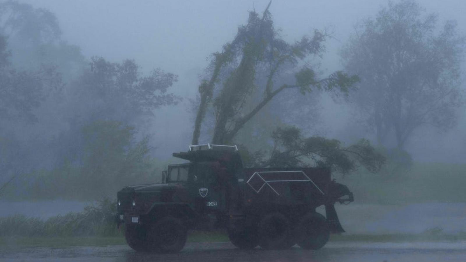 1 triệu người ở Louisiana (Mỹ) không có điện sinh hoạt sau khi bão Ida đổ bộ