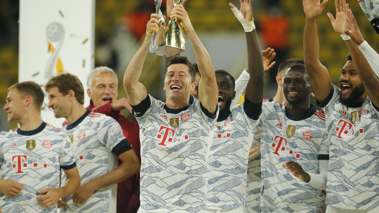 Lewandowski làm lu mờ Haaland, Bayern Munich đánh bại Dortmund để đăng quang Siêu cúp Đức