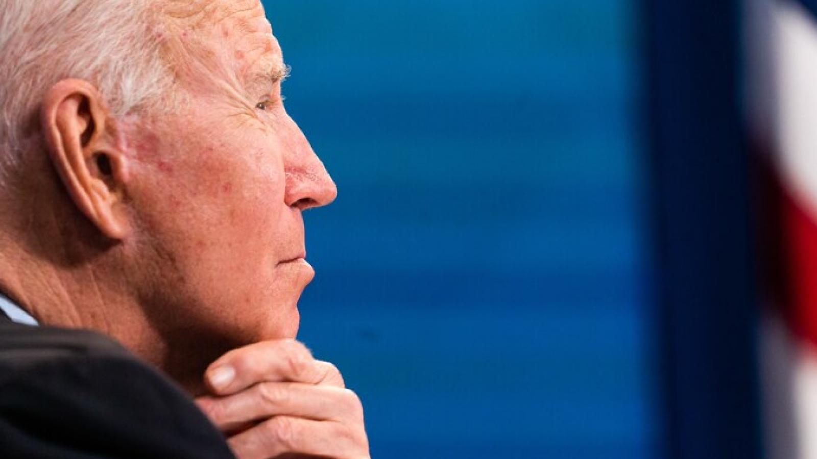 """Mỹ chấm dứt cuộc chiến 20 năm ở Afghanistan và """"cơn đau đầu"""" mới của Tổng thống Biden"""
