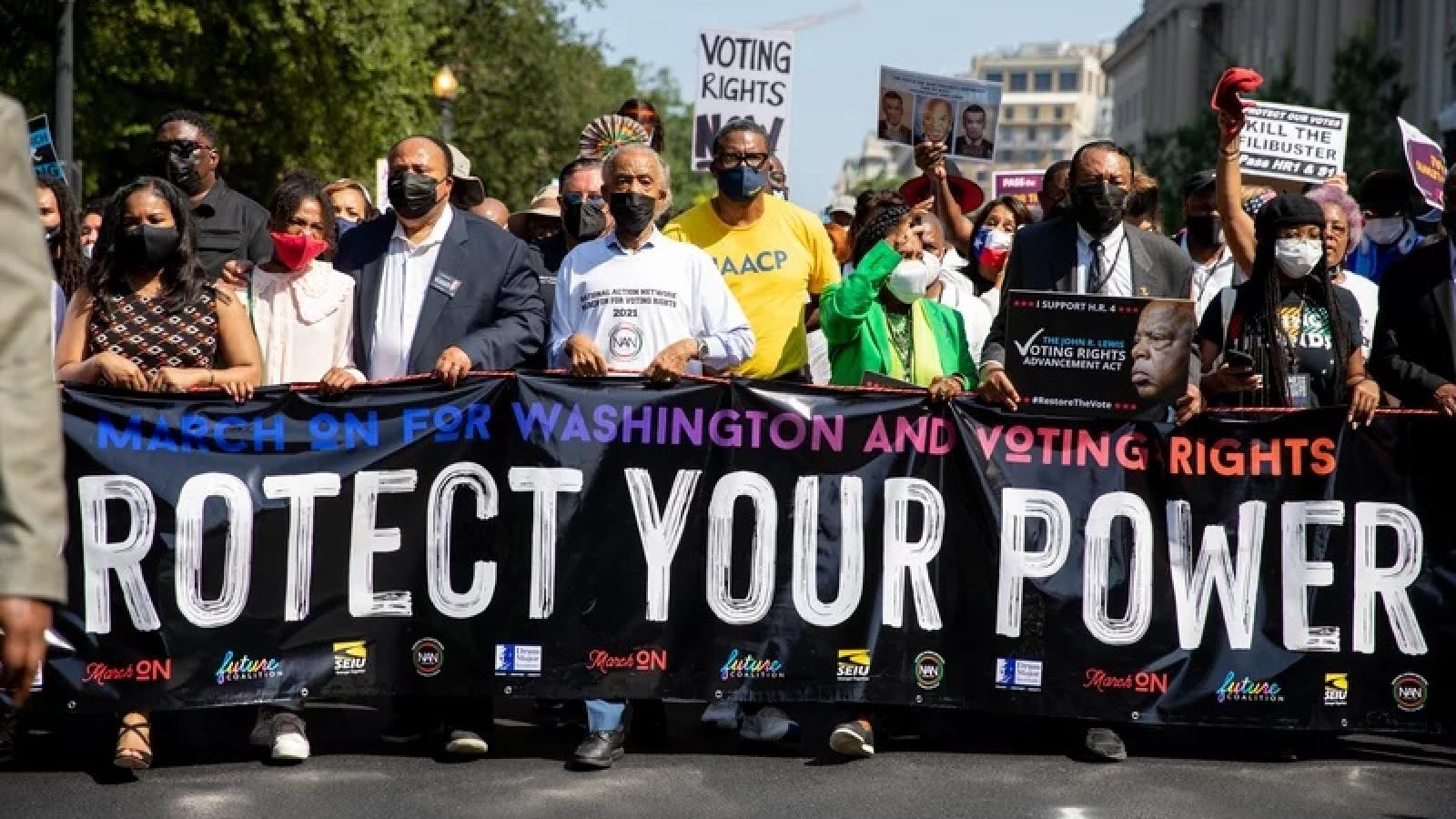 Hàng ngàn người tuần hành, biểu tình ở Mỹ đòi quyền bầu cử cho cử tri da màu và trẻ tuổi