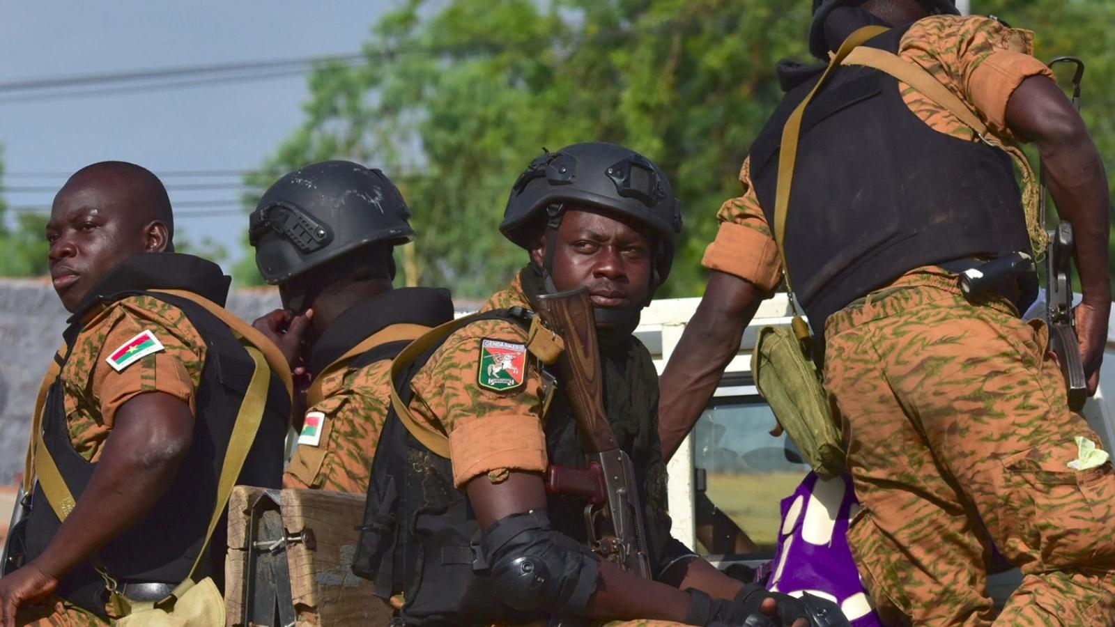 Tấn công khủng bố đẫm máu tại Burkina Faso – Tổng thống tuyên bố 3 ngày quốc tang
