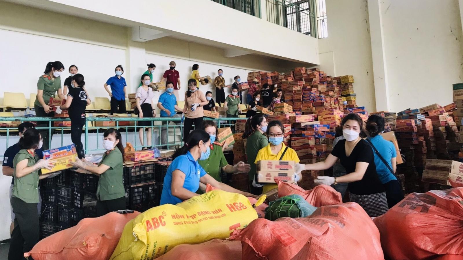 Tấm lòng vùng cao hướng về tâm dịch Thành phố Hồ Chí Minh